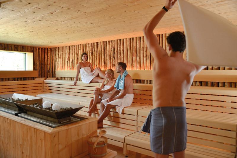 HA,KULT DSC2977_4c_klein_4c Die Sauna als nächtliche Wohlfühloase Lifestyle Anzeige Kultur