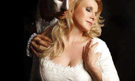 Weltstar Deborah Sasson verkörpert bei der Abschiedstournee noch einmal die Rolle der Christine