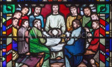 Moderne Glaskunst gibt es im Kirchenamt der EKD zu bewundern